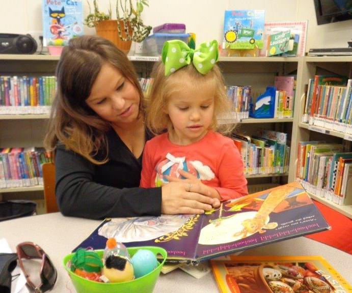 HB mom & daughter reading
