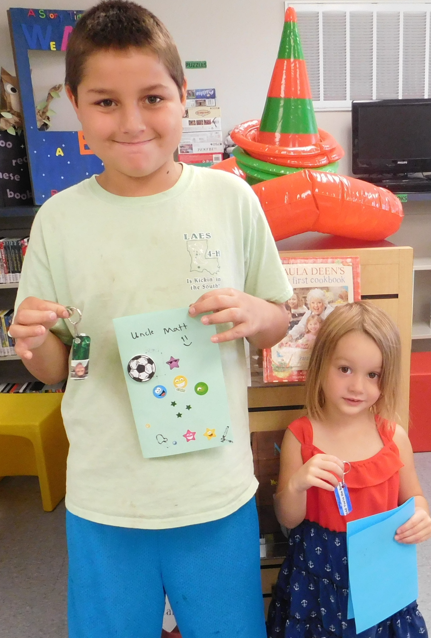 Lowry_Boy & Girl_Make Father's Day Craft