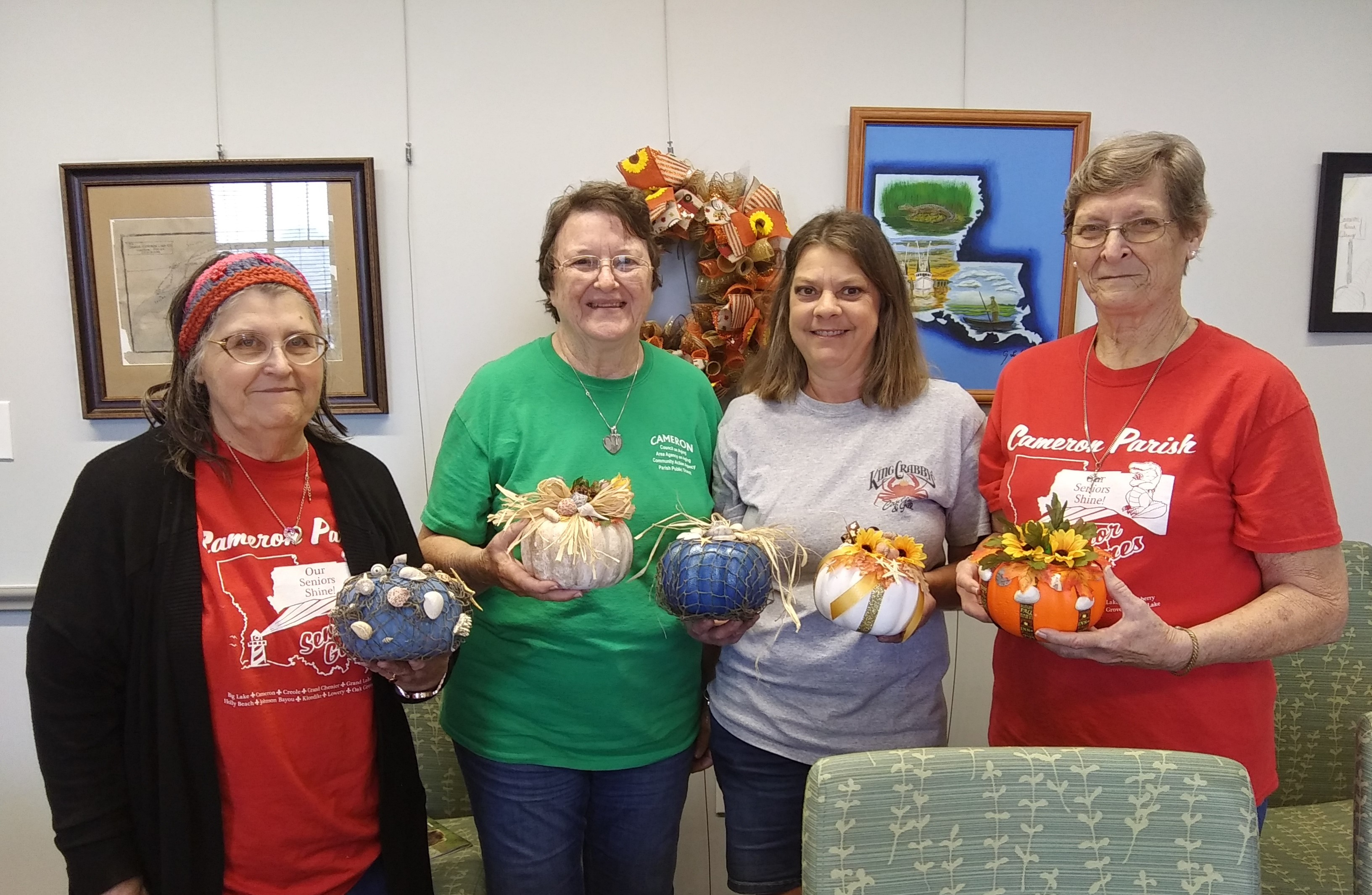 WEB_JB_Ladies with coastal pumpkins